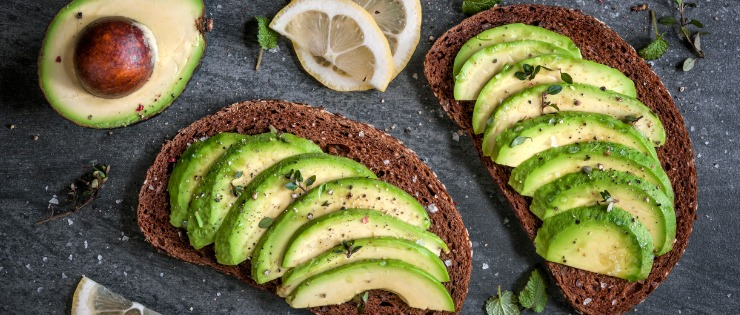 avocado on toast - avocados are very high in amines